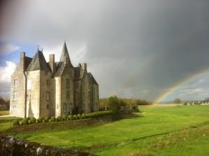Un double arc en ciel au château de Bourgon!