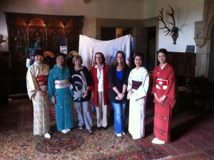 Kaori, Masako, Odette, Elisabeth (l'interpète), invitée, Yöko, Maï